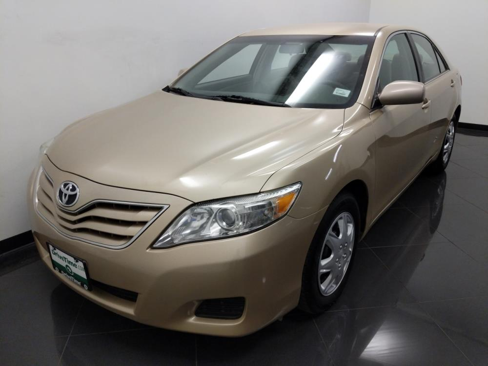 2011 Toyota Camry LE - 1040202704