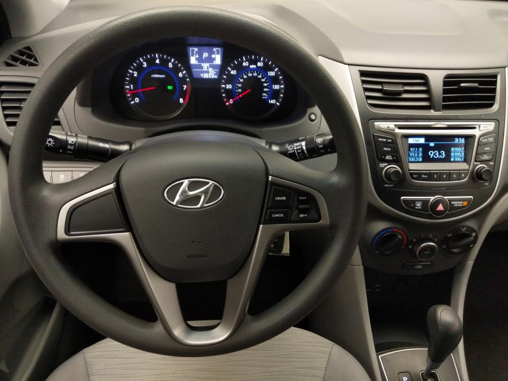 2017 Hyundai Accent SE - 1040202743