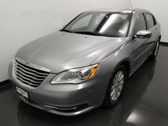 2013 Chrysler 200 Limited - 1040203058