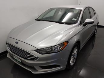 2017 Ford Fusion SE - 1040203139