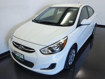 2017 Hyundai Accent SE - 1040203140