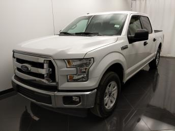 2017 Ford F-150 SuperCrew Cab XLT 5.5 ft - 1040203166