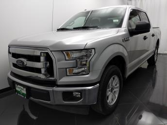 2017 Ford F-150 SuperCrew Cab XLT 5.5 ft - 1040203167
