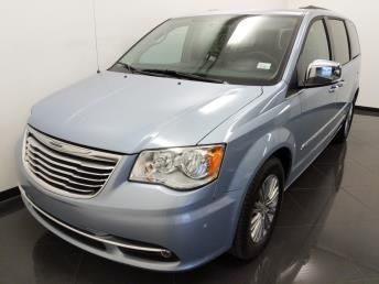 2016 Chrysler Town and Country Touring-L - 1040203829
