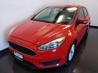 2016 Ford Focus SE - 1040204025