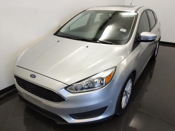 2016 Ford Focus SE - 1040204155