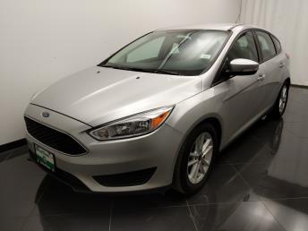 2016 Ford Focus SE - 1040204403