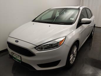 2016 Ford Focus SE - 1040204438