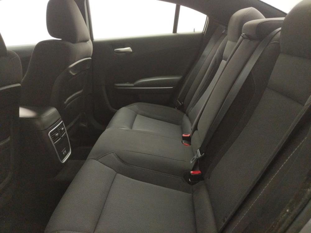 2017 Dodge Charger SXT - 1040205034