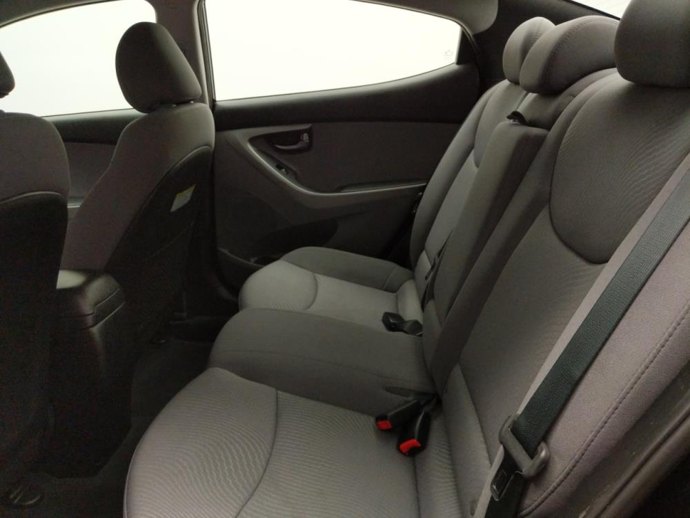 2015 Hyundai Elantra SE - 1040205199