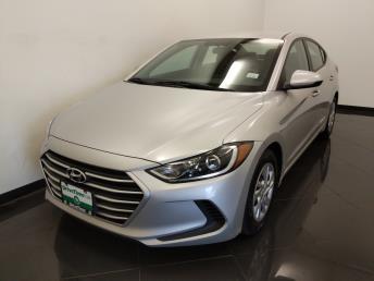 2017 Hyundai Elantra SE - 1040205486