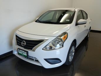 2017 Nissan Versa SV - 1040205623