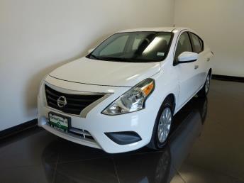 2017 Nissan Versa SV - 1040206388
