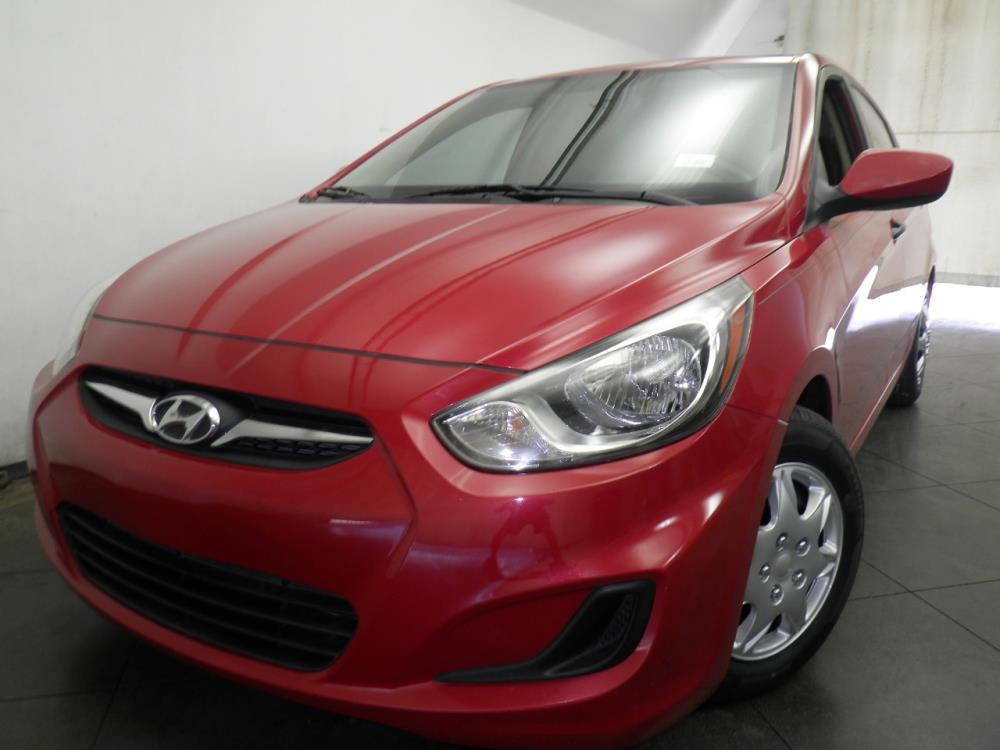 2012 Hyundai Accent - 1050143248