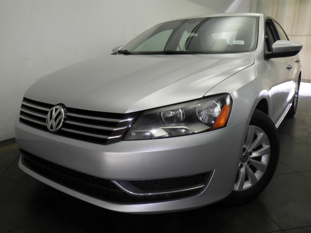 2012 Volkswagen Passat - 1050143733