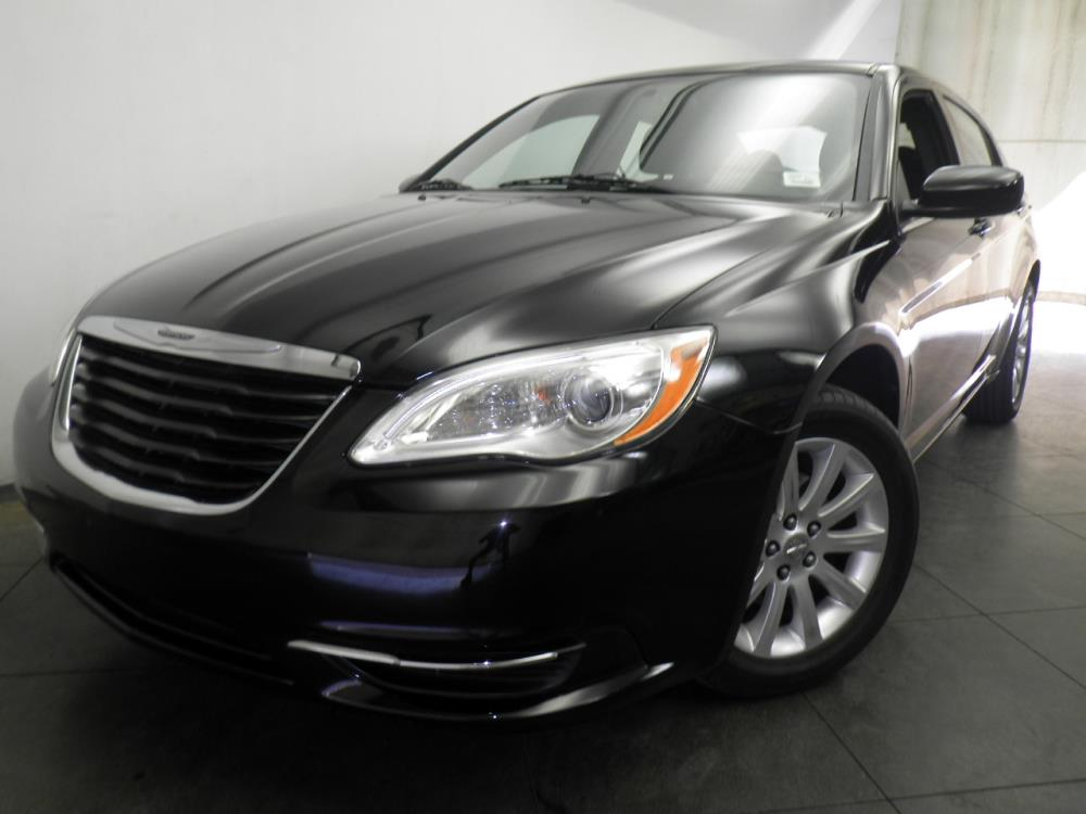 2012 Chrysler 200 - 1050144136