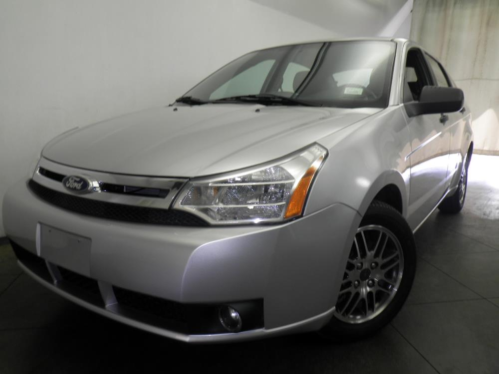 2011 Ford Focus - 1050144483