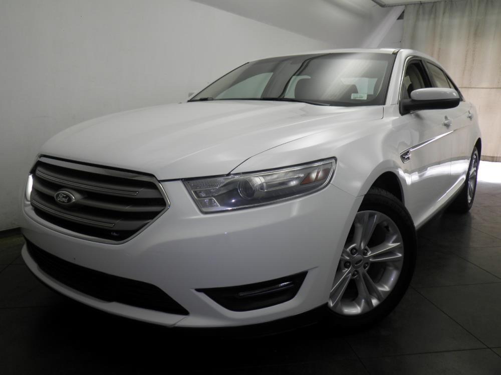 2013 Ford Taurus - 1050144678