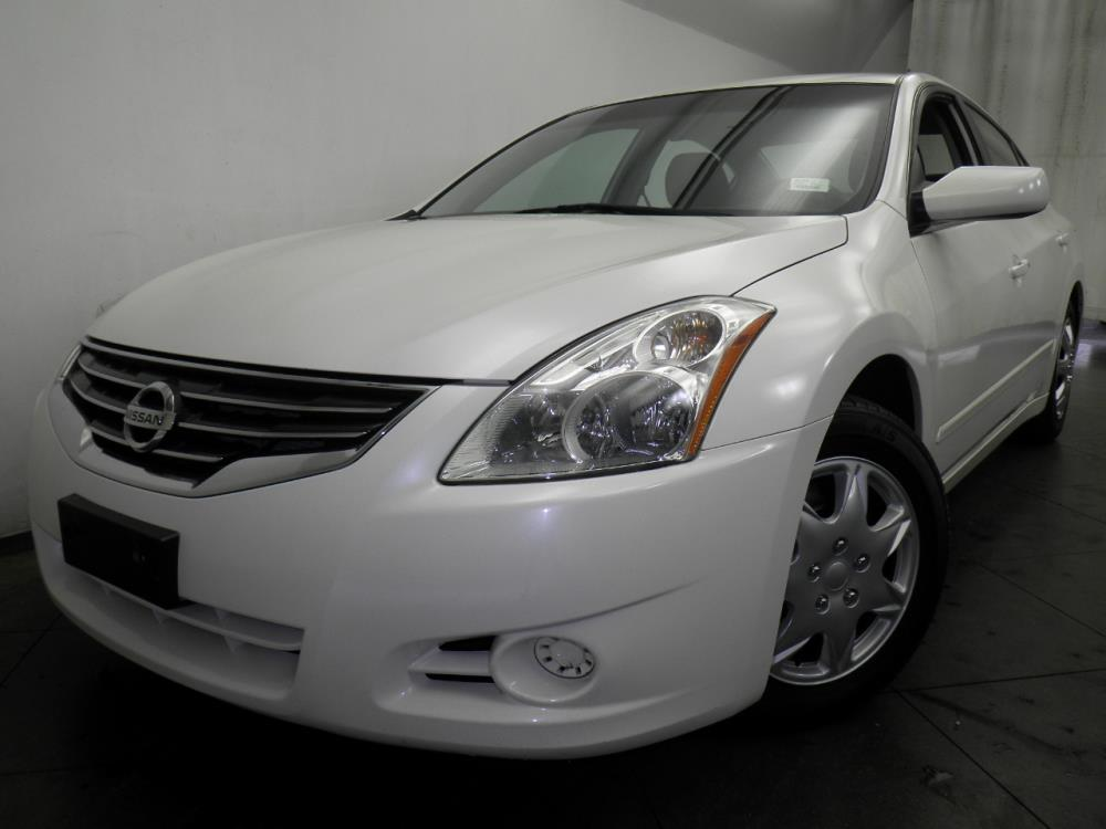 2010 Nissan Altima - 1050144691