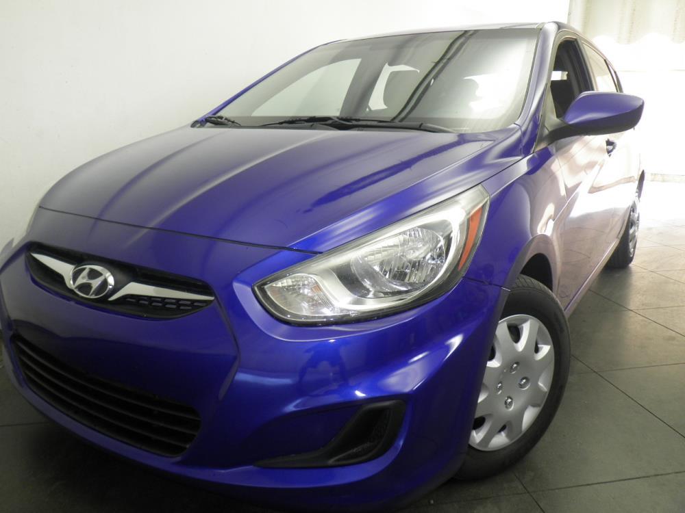 2012 Hyundai Accent - 1050144693