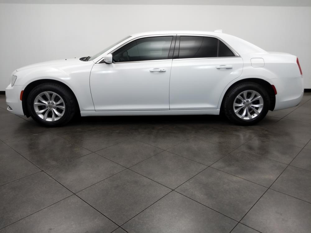 2015 Chrysler 300 300 Limited - 1050144871
