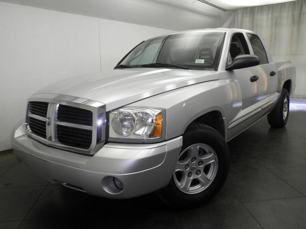 2005 Dodge Dakota - 1050144986