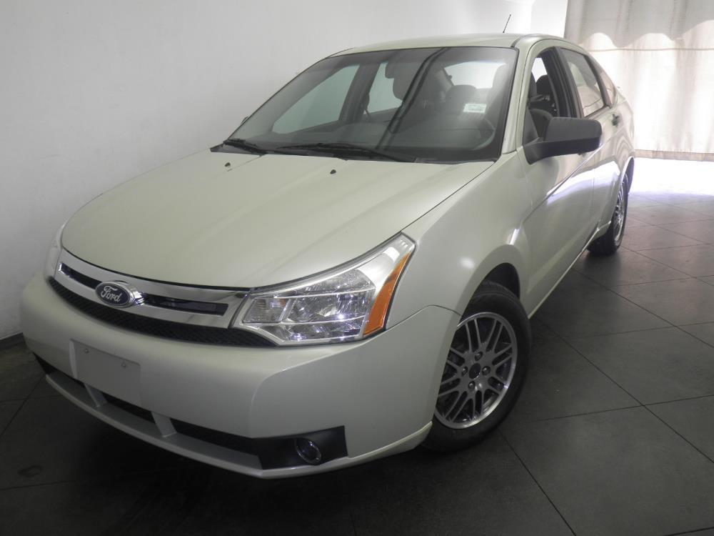 2011 Ford Focus - 1050145159