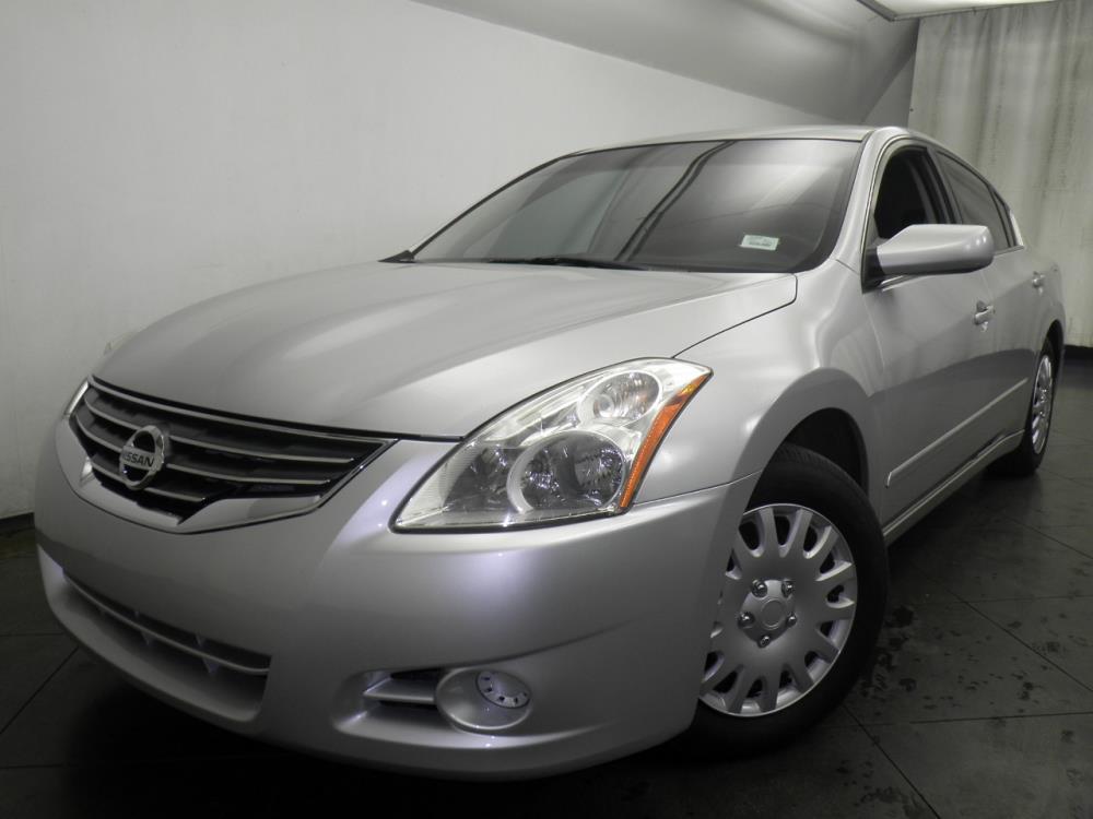 2011 Nissan Altima - 1050145694