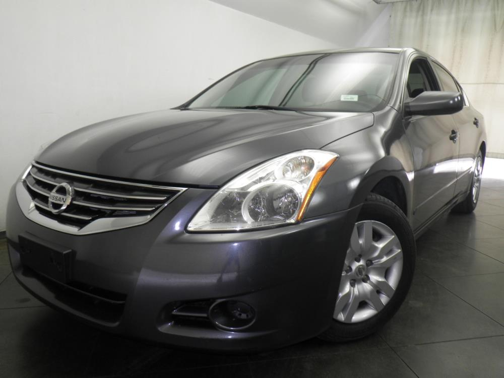 2012 Nissan Altima - 1050146029