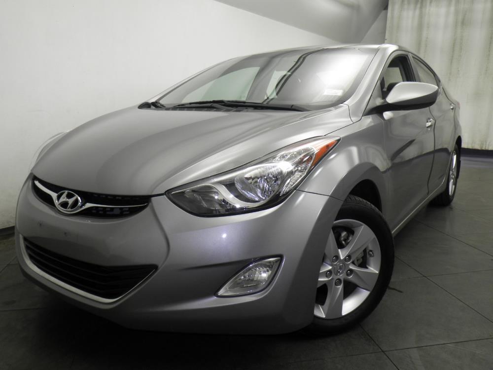 2012 Hyundai Elantra - 1050146117