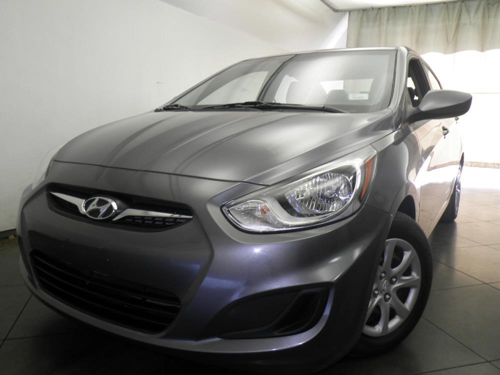 2014 Hyundai Accent - 1050146179