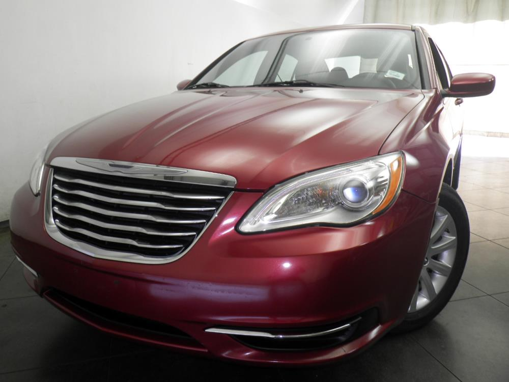 2013 Chrysler 200 - 1050146384