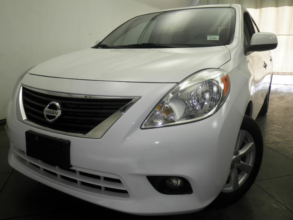 2013 Nissan Versa - 1050146496