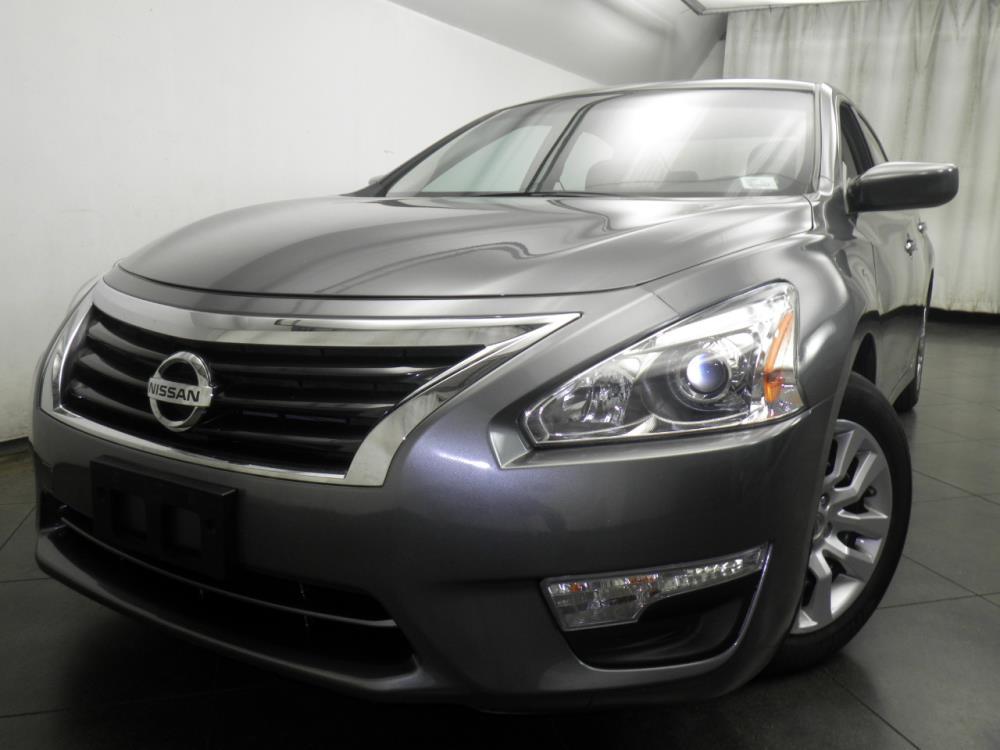 2015 Nissan Altima - 1050146567