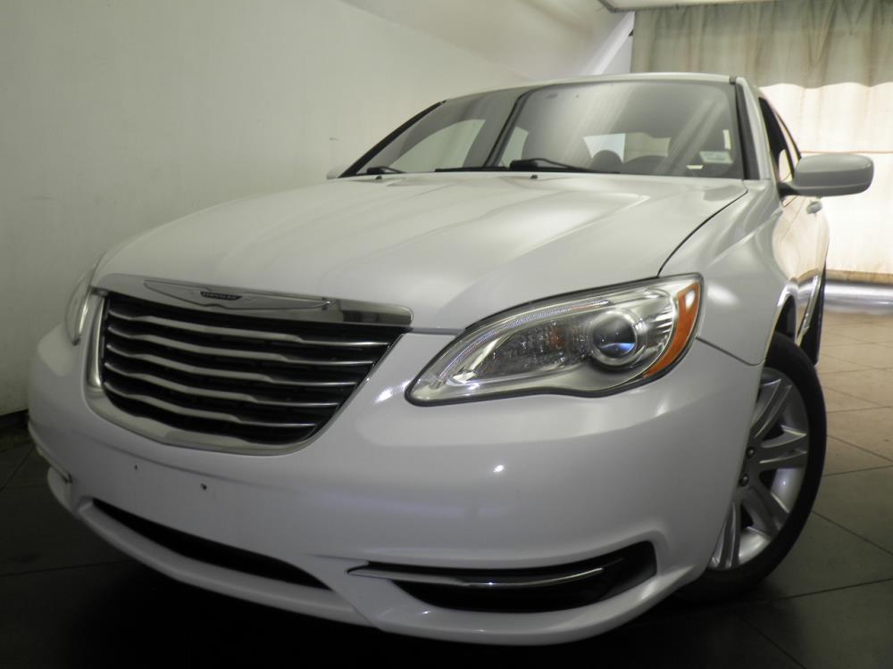 2013 Chrysler 200 - 1050146699