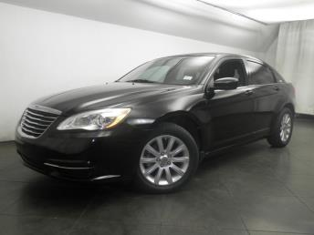 2013 Chrysler 200 - 1050146708