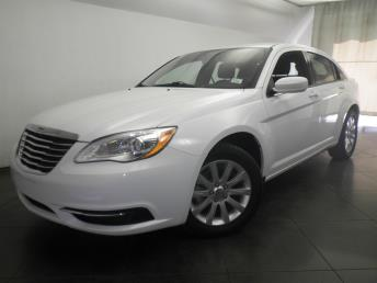 2013 Chrysler 200 - 1050147886