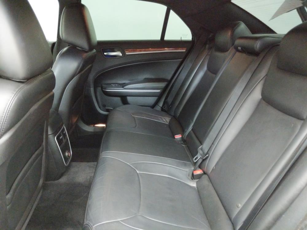 2014 Chrysler 300 300 - 1050152065