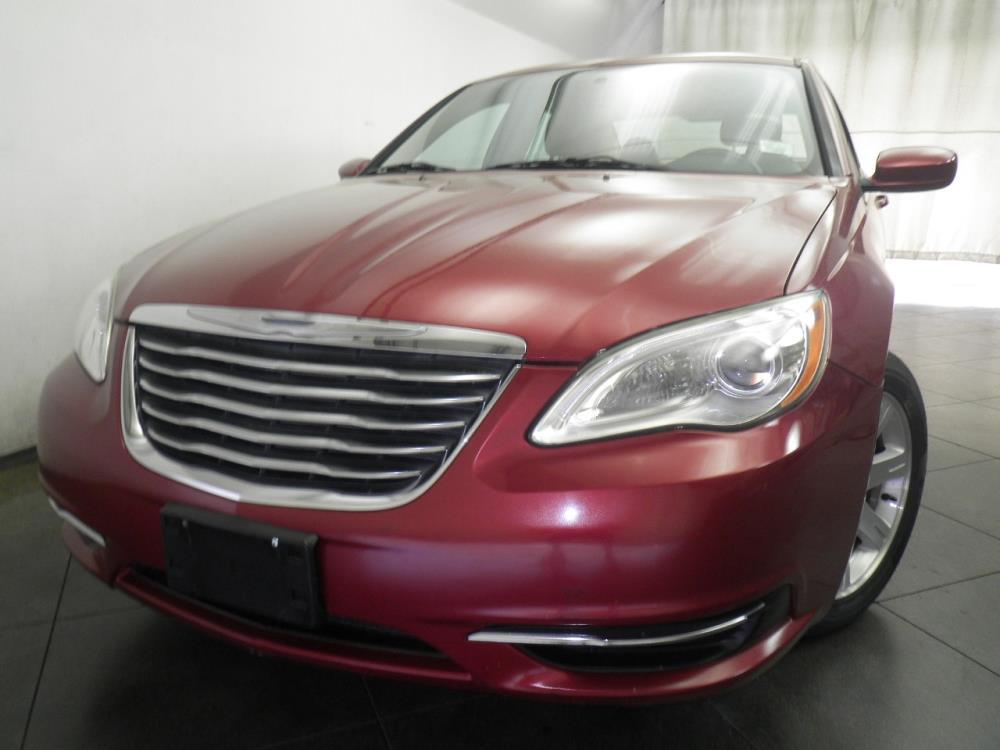 2012 Chrysler 200 Touring - 1050154272