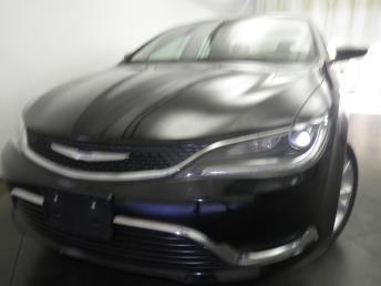 2016 Chrysler 200 - 1050154976