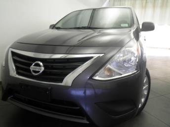 2015 Nissan Versa - 1050155453