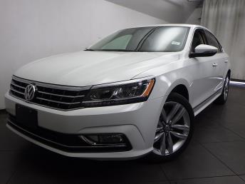 2016 Volkswagen Passat 1.8T SEL Premium - 1050155842