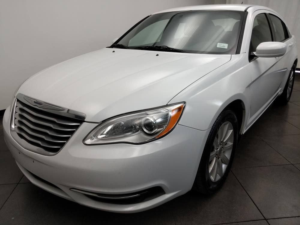 2013 Chrysler 200 Touring - 1050157680