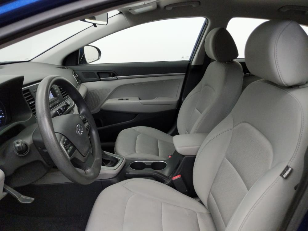 2017 Hyundai Elantra SE - 1050158628