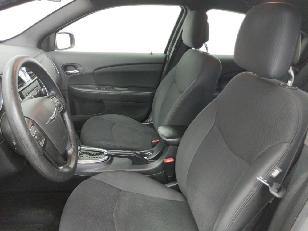 2014 Chrysler 200 LX - 1050159165
