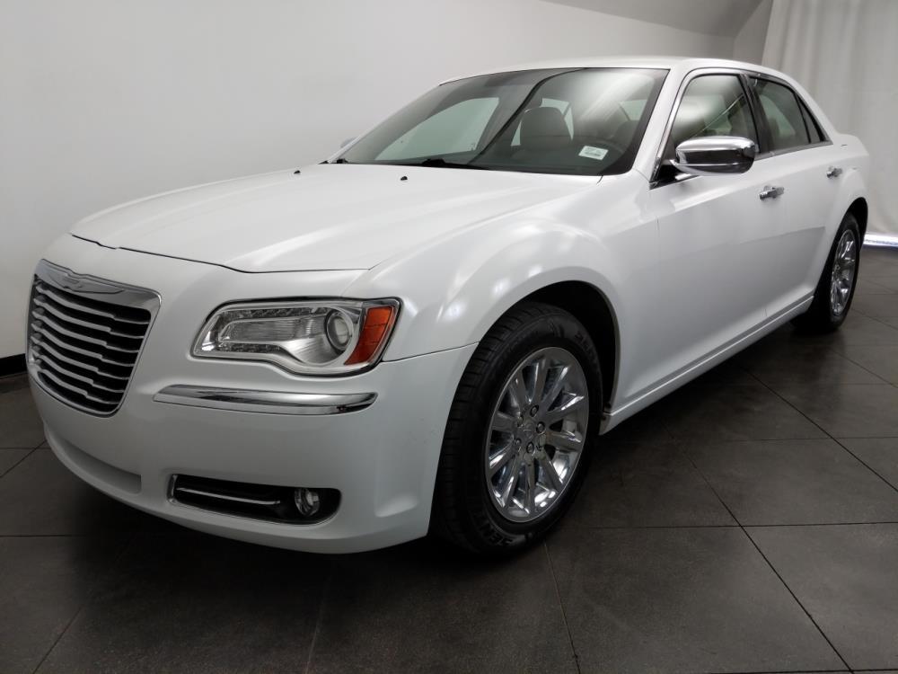 2012 Chrysler 300 Limited - 1050159394