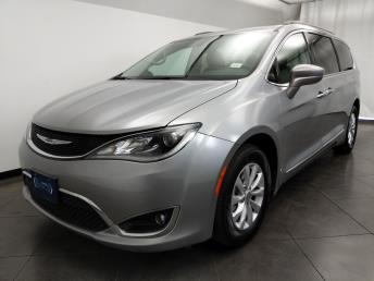 2017 Chrysler Pacifica Touring-L - 1050159911