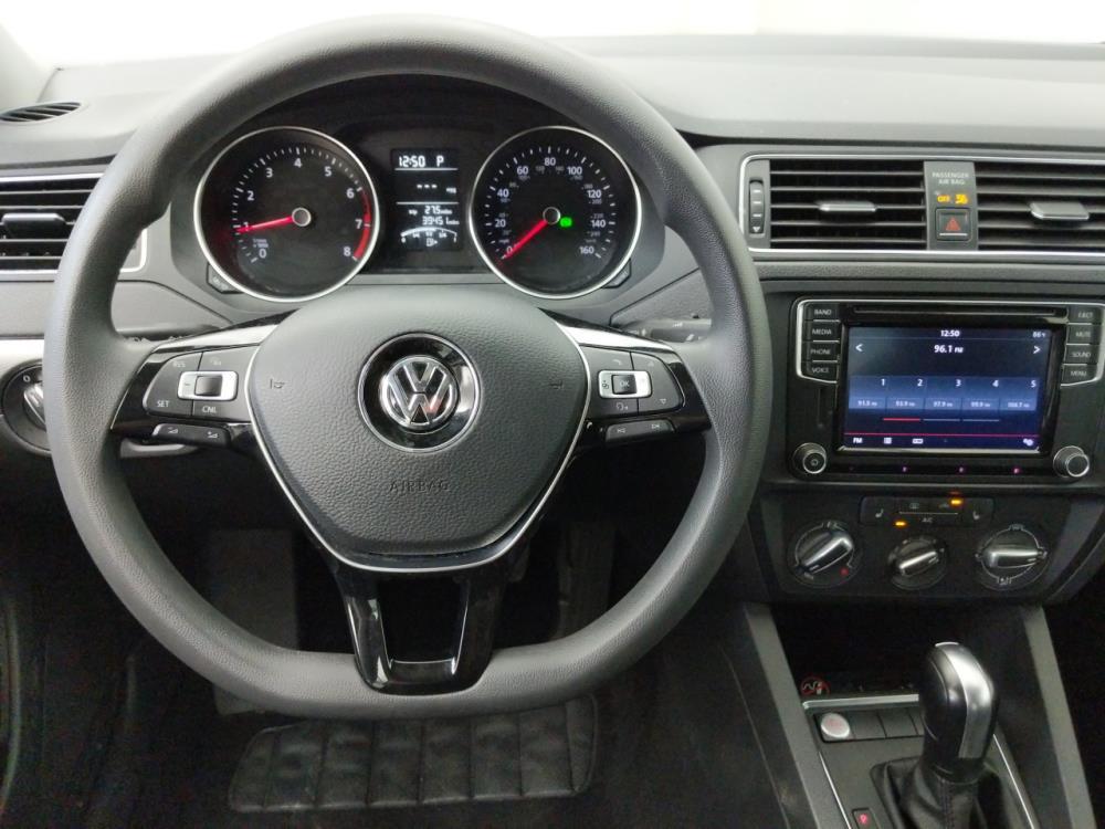 2016 Volkswagen Jetta 1.4T SE - 1050159933