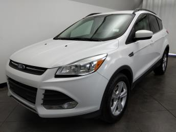 2016 Ford Escape SE - 1050160136