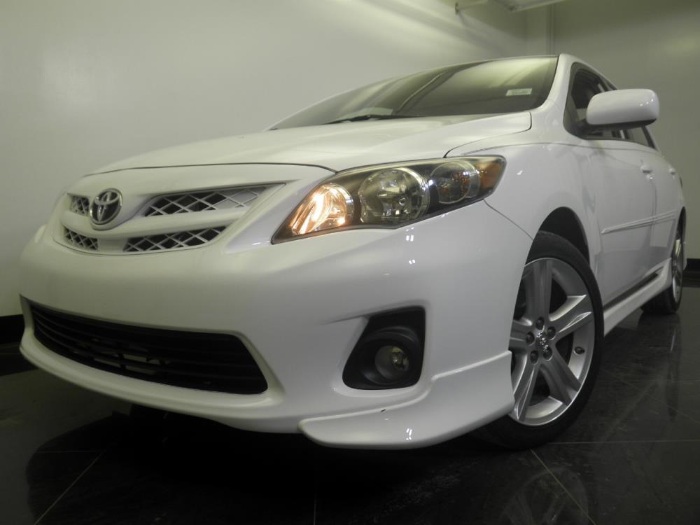 2013 Toyota Corolla - 1060151783